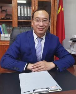 曾祥华(副会长)